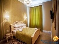 VIP апартаменты на улице Кулиша, для 4-х гостей, Интернет, парковка