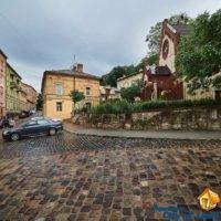 Lviv, Smerekova st 2, near the house - street parking