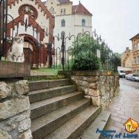 Daily rent Lviv, Smerekova st 2, near the house - Church of St. Ivan the Baptist