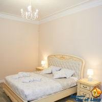 Аренда квартиры посуточно во Львове, ул Драгоманова 4, спальня, общий вид