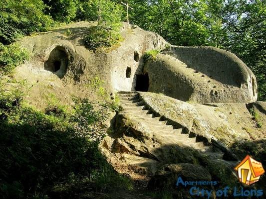 скалы Довбуша Львов